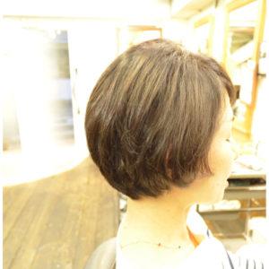 くせ毛を生かす髪型-40代-ショートボブ
