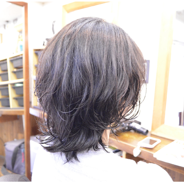 くせ毛を生かした髪型-パーマ-ミディアムスタイル