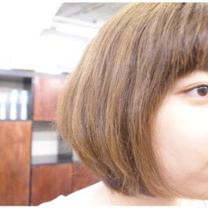 脱縮毛矯正でくせ毛を生かした髪型のボブスタイルに