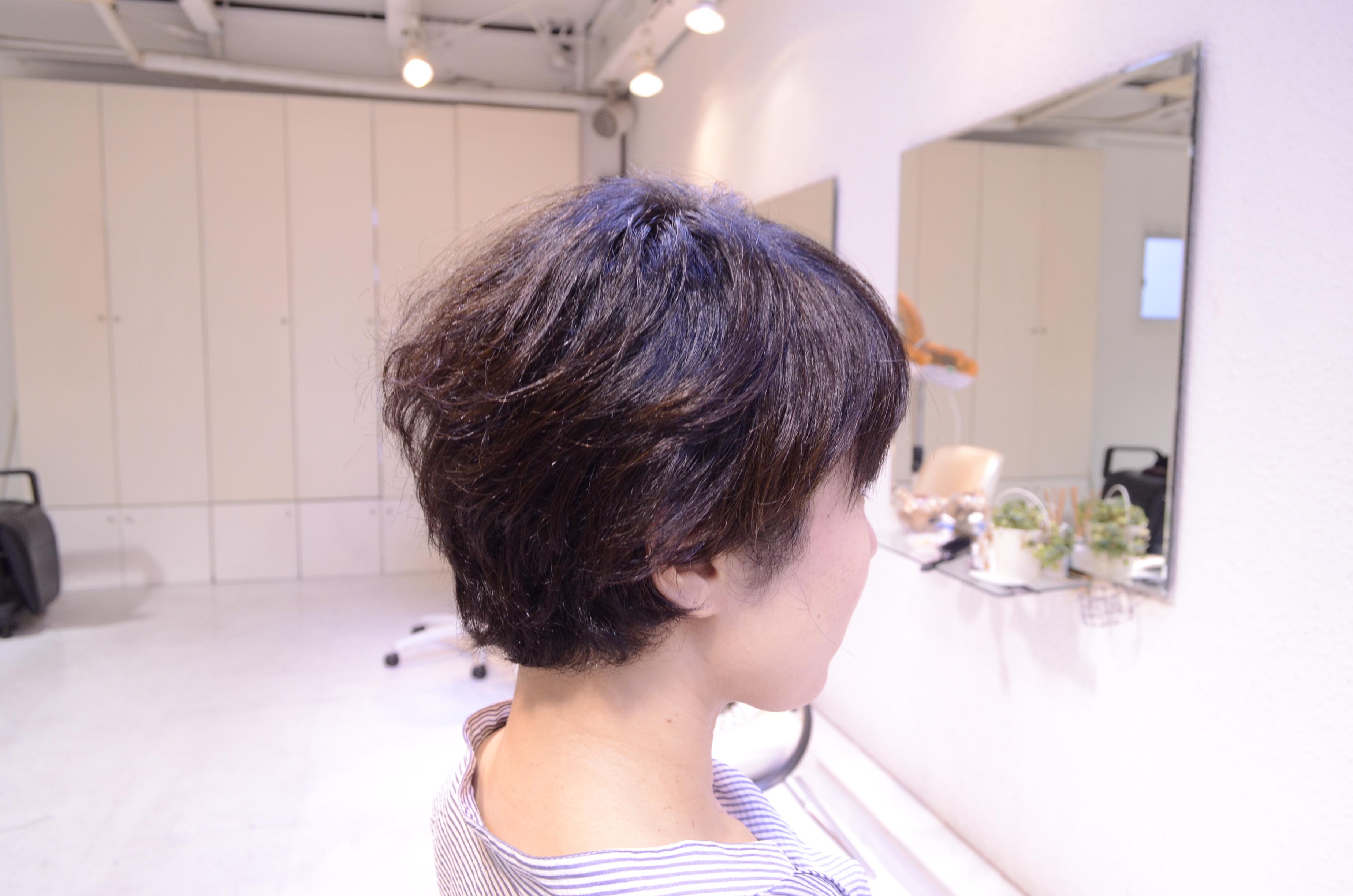くせ毛を活かす髪型ショート